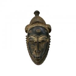 Antigua máscara de la etnia Baoulé de Costa de Marfil.