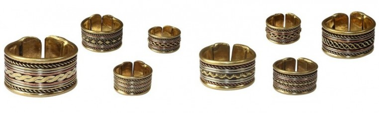 Indian ring in copper and brass.